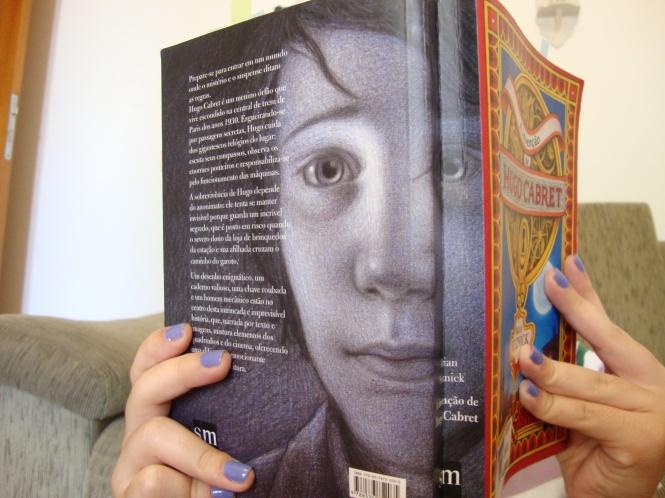 A lombada do livro é linda, mas está meio judiada, eu sei. Lembrando que o livro não era meu antes, não fui a dona dessa maldade :c